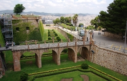 "Ada Colau considers ""regularizing use'"" of the Montjuïc area"